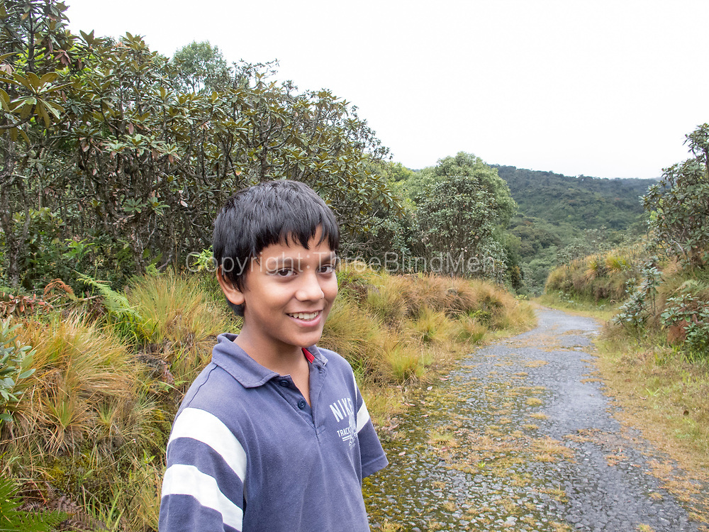 2012. Road to Horton Plains from Agra Patana. super trip.