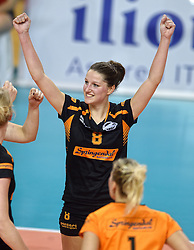 21-02-2016 NED: Bekerfinale Eurosped TVT - Set Up 65, Almere<br /> Ilse Oude Luttikhuis #8 of Set Up 65