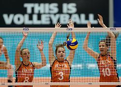08-08-2014 NED: FIVB Grand Prix Nederland - Puerto Rico, Doetinchem<br /> Judith Pietersen, Yvon Belien, Lonneke Sloetjes