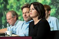 16 NOV 2019, BIELEFELD/GERMANY:<br /> Robert Habeck (L), B90/Gruene, Bundesvorsitzender, Annalena Baerbock (R), B90/Gruene, Bundesvorsitzende, Bundesdelegiertenkonferenz Buendnis 90 / Die Gruenen, Stadthalle<br /> IMAGE: 20191116-01-070<br /> KEYWORDS: Parteitag, Bundesparteitag, Party congress, BDK; Die Grünen