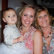 NLD/Amsterdam/20120718 - Boekpresentatie Regina Romeijn 'Vet man, zo'n baby!', Regina Romeijn met dochter Bardot en haar moeder