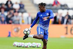 Michy Batshuayi of Chelsea warms up - Mandatory by-line: Matt McNulty/JMP - 01/10/2016 - FOOTBALL - KC Stadium - Hull, England - Hull City v Chelsea - Premier League