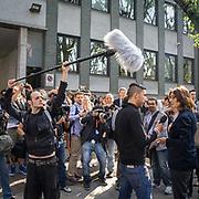 Terzo giorno della Settimana della Moda a Milano edizione 2013: in attesa della sfilata di Armani<br /> <br /> Third day of Milan fashion week 2013 edition: waiting the Armani fashion show.