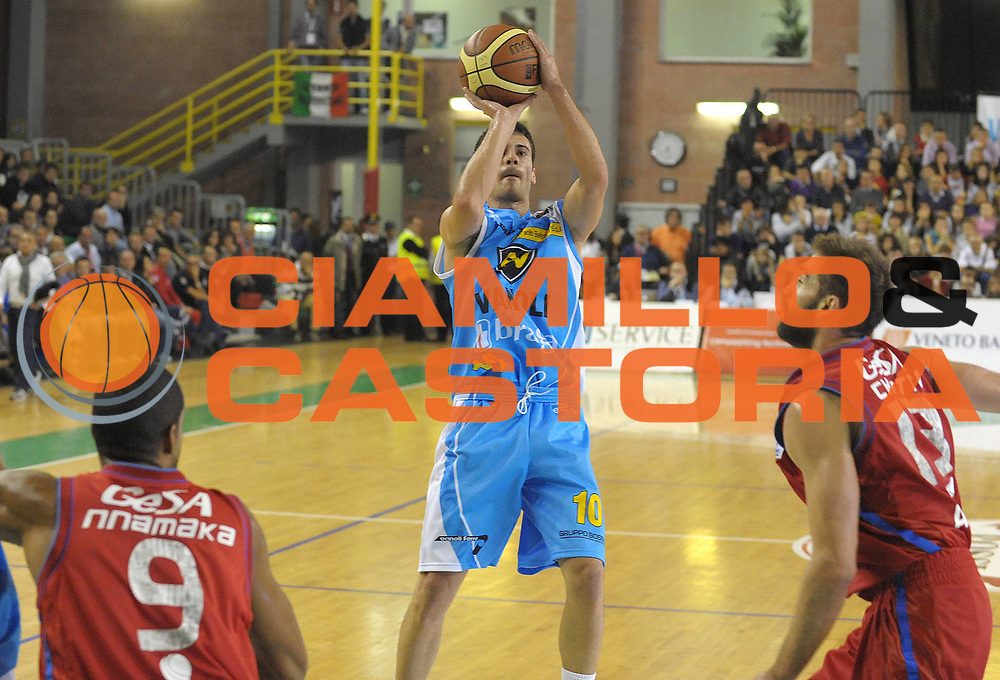 DESCRIZIONE : Casale Monferrato Lega A 2011-12 Novipiu Casale Monferrato Vanoli Braga Cremona<br /> GIOCATORE : Lorenzo D'Ercole<br /> SQUADRA : Vanoli Braga Cremona <br /> EVENTO : Campionato Lega A 2011-2012 <br /> GARA : Novipiu Casale Monferrato Vanoli Braga Cremona<br /> DATA : 16/10/2011<br /> CATEGORIA : Tiro<br /> SPORT : Pallacanestro <br /> AUTORE : Agenzia Ciamillo-Castoria/ L.Goria<br /> Galleria : Lega Basket A 2011-2012  <br /> Fotonotizia : Biella Lega A 2011-12 Novipiu Casale Monferrato Vanoli Braga Cremona<br /> Predefinita :