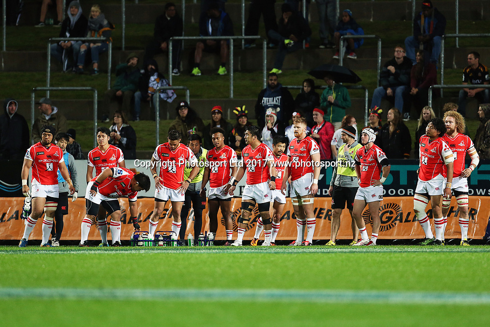 The Sunwolves regroup after conceding a try during the Super Rugby rugby match - Chiefs v Sunwolves played at FMG Stadium Waikato, Hamilton, New Zealand on Saturday 29 April 2017.  Copyright photo: Bruce Lim / www.photosport.nz