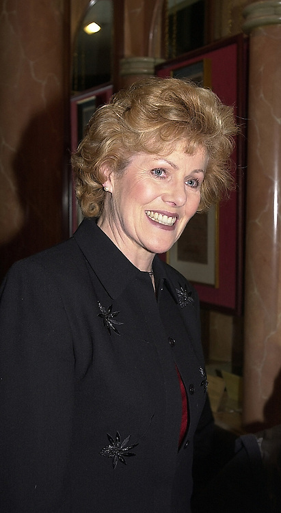 Actress LYNN REDGRAVE daughter of actor Michael Redgrave, <br /> at a party in London on 3rd April 2000.OCO 3