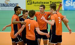 29-12-2014 NED: Eurosped Volleybal Experience Nederland - Belgie -19, Almelo<br /> Nederland verliest met 3-2 van Belgie / Ruben Penninga, Ivar de Waard, Mats Bleeker