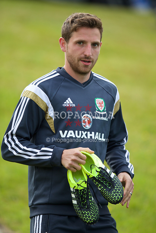 CARDIFF, WALES - Monday, June 8, 2015: Wales' Joe Allen before a training session at the Vale of Glamorgan ahead of the UEFA Euro 2016 Qualifying Round Group B match against Belgium. (Pic by David Rawcliffe/Propaganda)