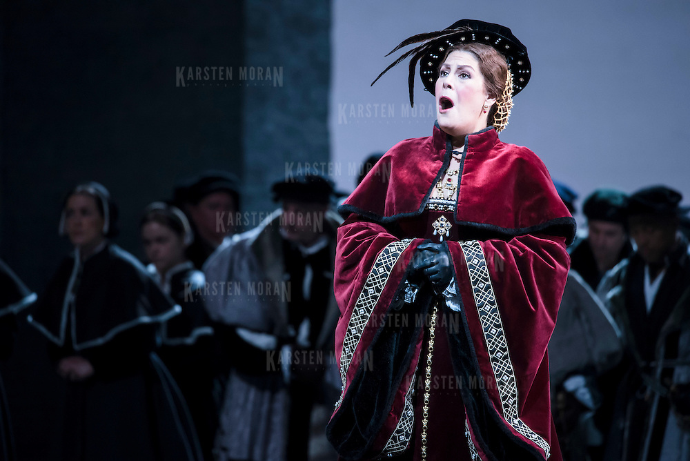 September 23, 2015 - New York, NY : Sondra Radvanovsky, foreground, performs as Anna Bolena in a dress rehearsal for Gaetano Donizetti's 'Anne Bolena' at the Metropolitan Opera at Lincoln Center on Wednesday. CREDIT: Karsten Moran for The New York Times