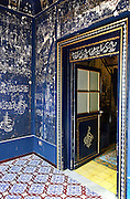 decorazioni islamiche nella  &quot;camera delle meraviglie&quot; scoperta per caso durante una ristrutturazione di un appartamento nel centro storico di Palermo.<br />