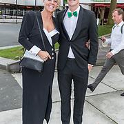 NLD/Hilversum//20170821 - Voetbalgala 2017, Tom Beugelsdijk met zijn moeder