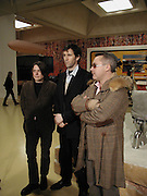 Angus Fairhurst, Sara Lucas and Damien Hirst, In-A Gadda-Da-Vidda, Tate Gallery. 2 March 2004. ONE TIME USE ONLY - DO NOT ARCHIVE  © Copyright Photograph by Dafydd Jones 66 Stockwell Park Rd. London SW9 0DA Tel 020 7733 0108 www.dafjones.com