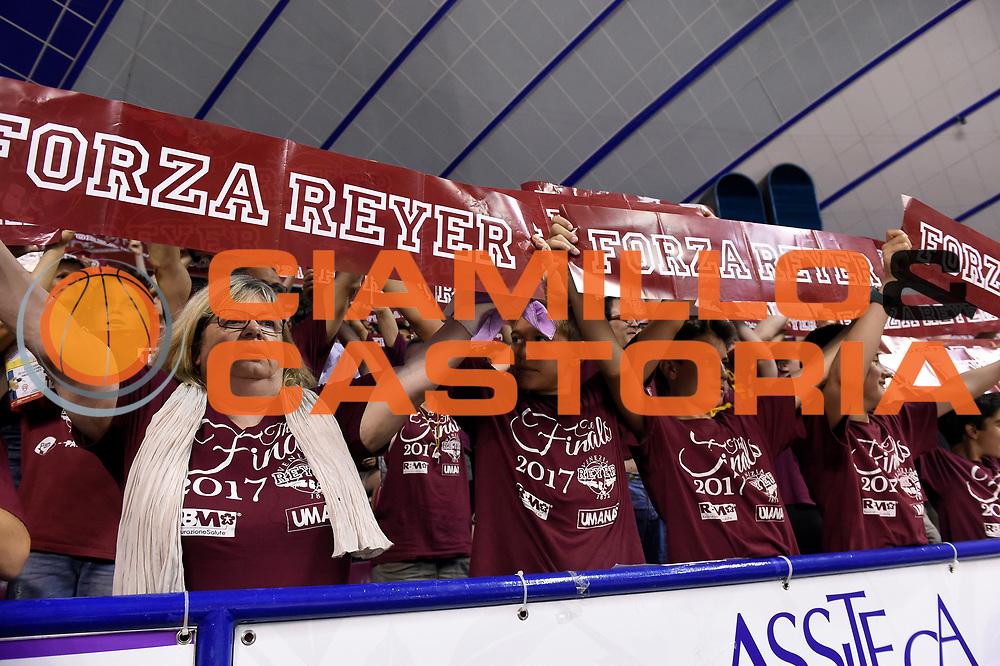 Umana Reyer Venezia tifosi<br /> Umana Reyer Venezia - Dolomiti Energia Aquila Basket Trento<br /> Lega Basket Serie A 2016/2017<br /> Playoff, finale gara 2<br /> Venezia, 12/06/2017<br /> Foto M.Ceretti / Ciamillo-Castoria