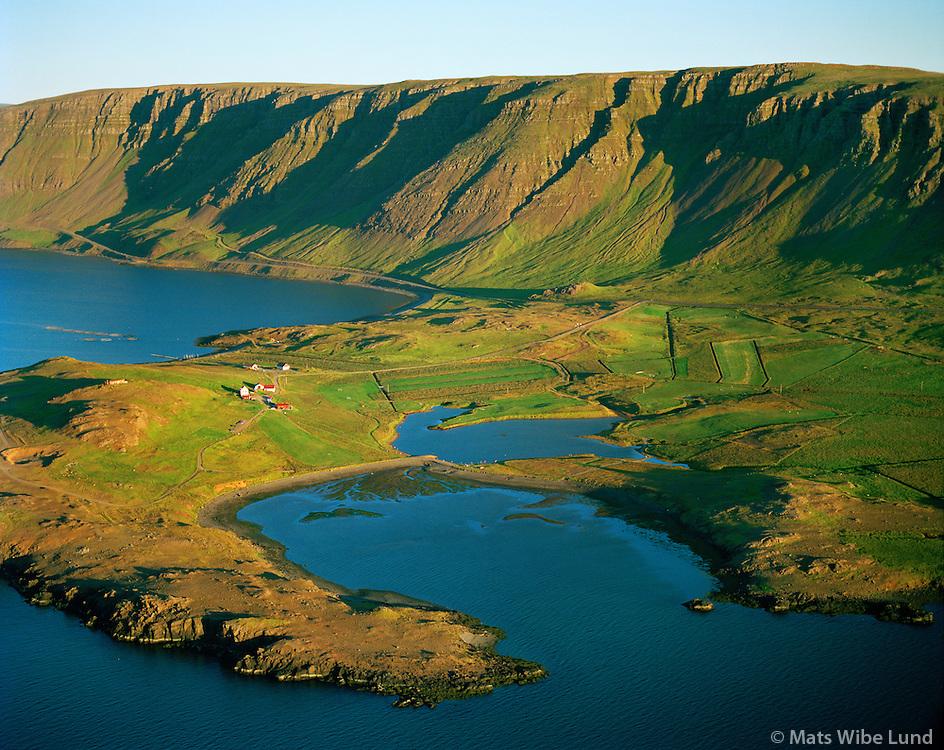 Hvammsvík séð til austurs, Hvalfjörður, Kjósarhreppur /  .Hvammsvik in Hvalfjordur viewing east, Kjosarhreppur