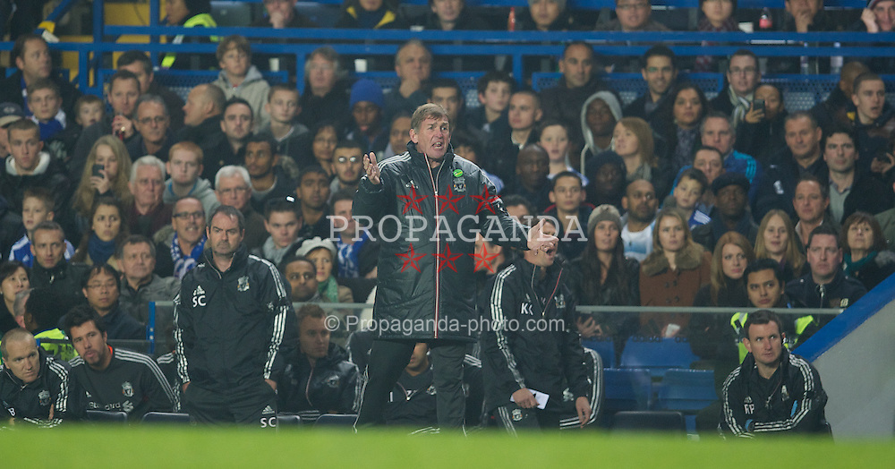 LONDON, ENGLAND - Sunday, November 20, 2011: Liverpool's manager Kenny Dalglish against Chelsea during the Premiership match at Stamford Bridge. (Pic by David Rawcliffe/Propaganda)