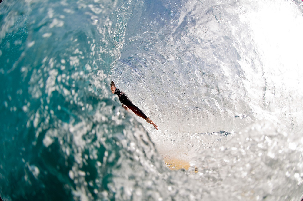 November 8th 2010: Dane Pioli free surfing at Off The Wall on the North Shore of Oahu-Hawaii. Photo by Matt Roberts/mattrIMAGES.com.au