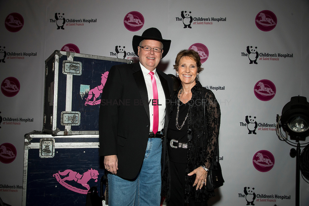 11/1/13 6:58:24 PM --- 2013 Painted Pony Ball for The Children's Hospital at Saint Francis with Chris Young and Dwight Yoakam. <br /> <br /> Photo by Shane Bevel