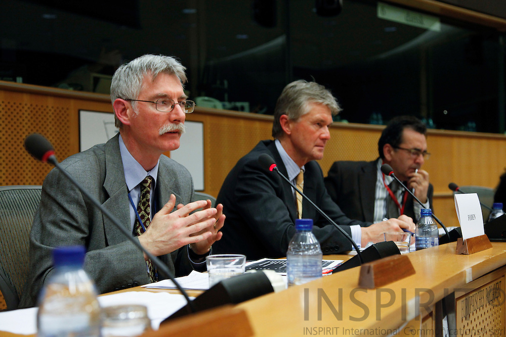 "BRUSSELS - BELGIUM - 03 MARCH 2010 --  From left David Foden, Head of the Observatories Unit, Eurofound, Jorma Karppinen, Director for Eurofound, and MEP Alejandro Cercas, at the Joint Seminar Eurofound - European Parliament ""Company strategies in Europe: Flexibility and social dialogue"" PHOTO: ERIK LUNTANG / INSPIRIT"