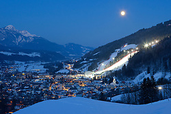 26.01.2013, Schladming, AUT, FIS Weltmeisterschaften Ski Alpin, Schladming 2013, Vorberichte, im Bild die Bergstadt Schladming mit der beleuchteten Piste der Planai bei Vollmond am 26.01.2013 // Schladming and the flood light on the Planai slope at full moon on 2013/01/26, preview to the FIS Alpine World Ski Championships 2013 at Schladming, Austria on 2013/01/26. EXPA Pictures © 2013, PhotoCredit: EXPA/ Martin Huber
