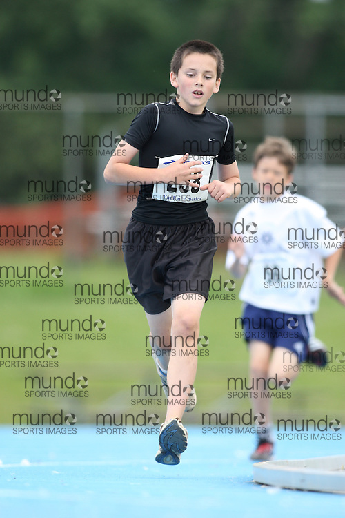(Ottawa, Ontario---20/06/09)  \\ competing in the 800m at the 2009 Bank of America All-Champions Elementary School Track and Field Championship. www.mundosportimages.com / www.msievents.
