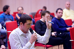 Miran Tisic (POP TV) na okrogli mizi na temo o vlogi medijev (predvsem televizije), pri popularizaciji in razvoju slovenskega nogometa v organizaciji SportForum Slovenija, Austria Trend Hotel, Ljubljana, 23. april 2009. (Photo by Vid Ponikvar / Sportida)