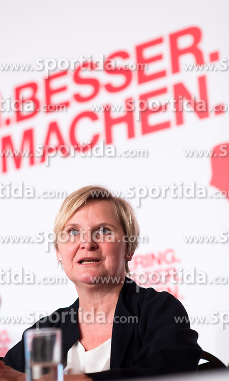 "23.03.2017, Colosseum XXI, Wien, AUT, SPÖ, Tagung des Rathausklub Wien mit dem Motto ""Wien besser machen"". im Bild Gesundheitsstadträtin Sandra Frauenberger // during convention of the austrian social democratic party in Vienna, Austria on 2017/03/23. EXPA Pictures © 2017, PhotoCredit: EXPA/ Michael Gruber"
