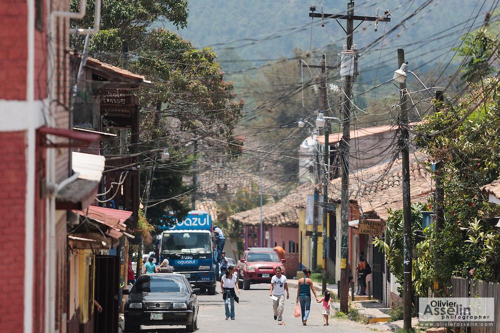 Street scene in the town of Valle de Angeles, Honduras on Friday April 26, 2013.