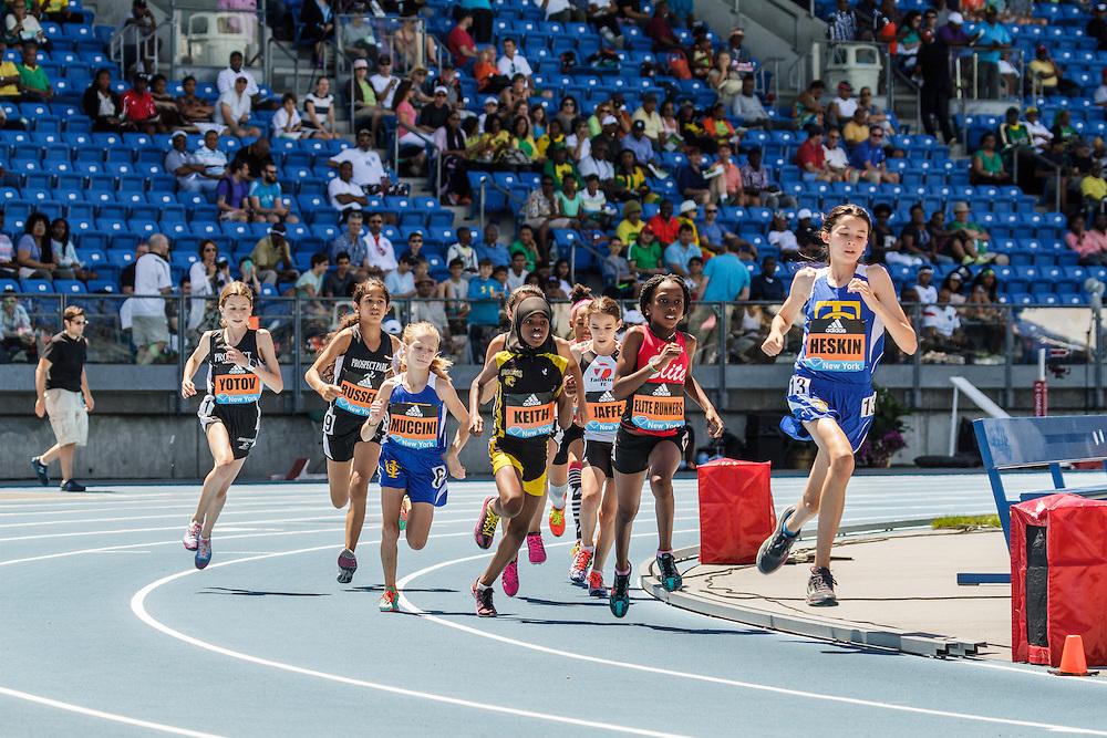 adidas Grand Prix Diamond League Track & Field: Girls Youth Mile, Lauryn Heskin leads