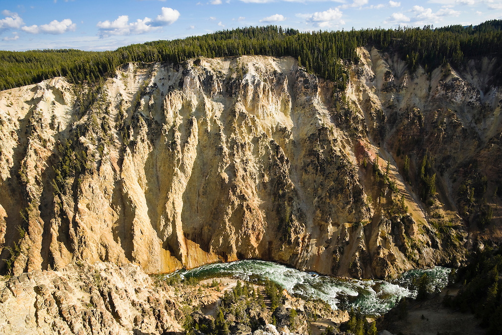 Looking down into the Grand Canyon of Yellowstone, Yellowstone National Park, Wyoming, USA.