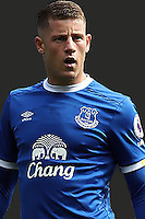 LIVERPOOL, ENGLAND - AUGUST 13: Ross Barkley of Everton looks on during the Barclays Premier League match between Everton and Tottenham Hotspur at Goodison Park on August 13, 2016 in Liverpool, England. (Photo by Chris Brunskill/Getty Images)