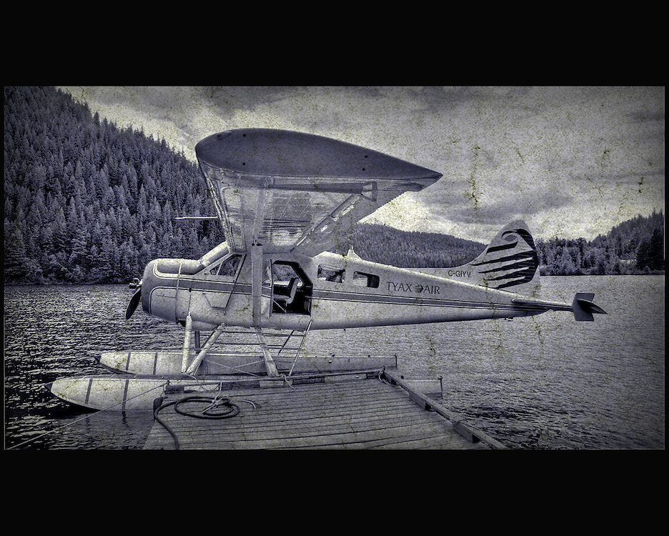 A small aircraft on a lake
