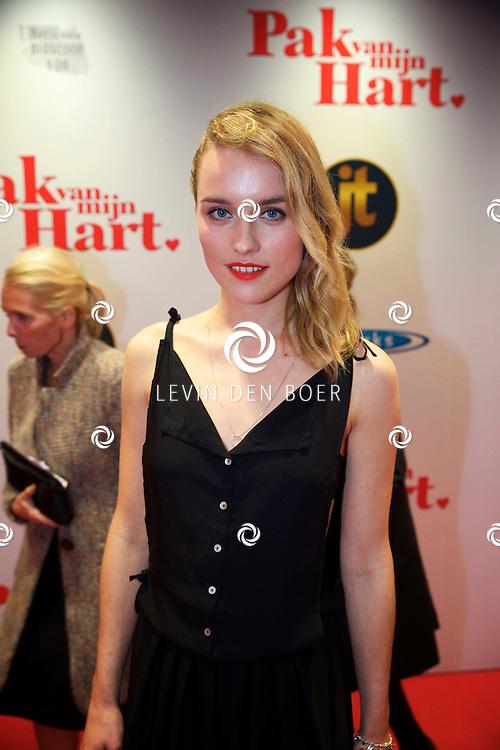 HILVERSUM - In de nieuwe JT Bioscoop is de eerste film 'Pak van mijn Hart' in premiere gegaan. Met hier op de foto  Nienke van Hofslot. FOTO LEVIN DEN BOER - PERSFOTO.NU