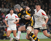 Wycombe, Great Britain, Wasps James HASKELL is tackled by Falcon Steve JONES, during the Guinness Premiership Game London Wasps vs Newcastle Falcon at Adams Park, England, on Sunday 17/11/2007   [Mandatory Credit. Peter Spurrier/Intersport Images]