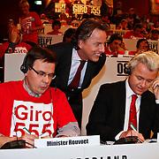 NLD/Hilversum/20100121 - Benefietactie voor het door een aardbeving getroffen Haiti, Andre Rouvoet, Bert koenders en Geert Wilders