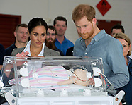 Meghan Markle & Prince Harry Visit Flying Doctors