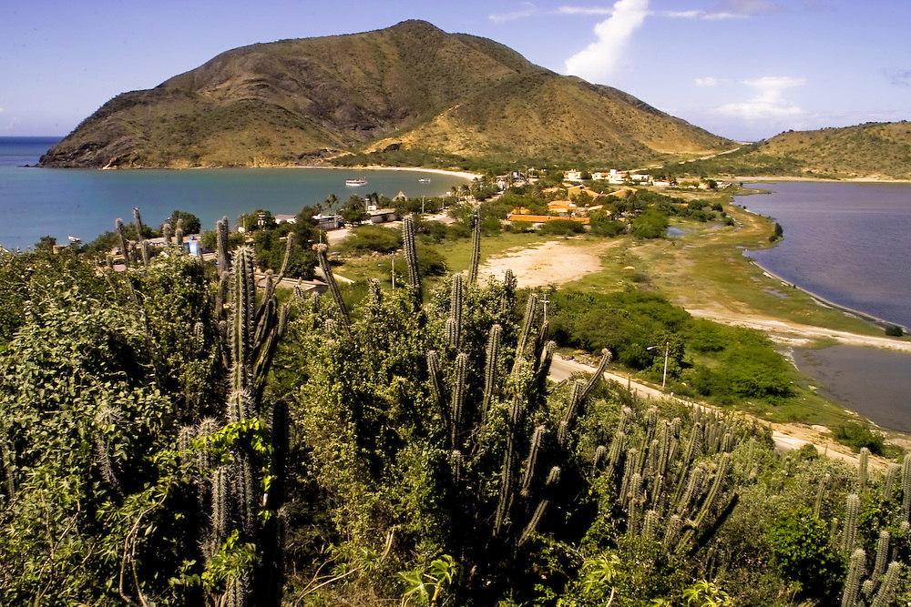BAHIA DE JUAN GRIEGO<br /> Photography by Aaron Sosa<br /> Margarita, Nueva Esparta State<br /> Margarita, Estado Nueva Esparta<br /> Venezuela 2005<br /> (Copyright © Aaron Sosa)