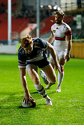 Bristol Rugby Outside Centre Jack Tovey scores a try - Mandatory byline: Rogan Thomson/JMP - 06/11/2015 - RUGBY UNION - Ashton Gate Stadium - Bristol, England - Bristol Rugby v Doncaster Knights - Greene King IPA Championship.