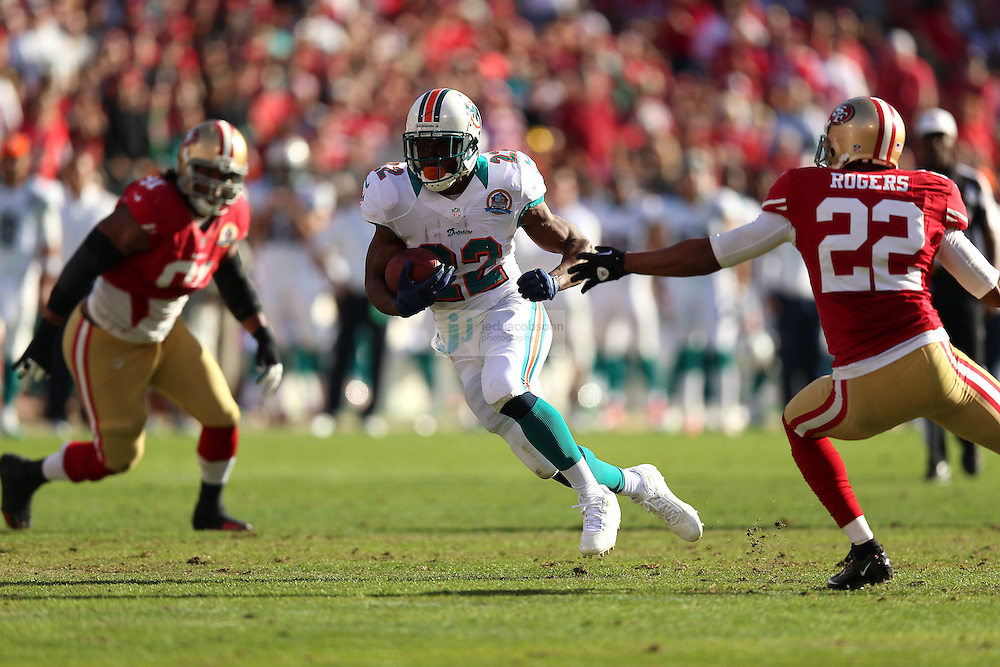 Miami Dolphins running back Reggie Bush (22) in action against the San Francisco 49ers during an NFL game at Candlestick Park on December 9, 2012 in San Francisco, CA.  (Photo by Jed Jacobsohn)