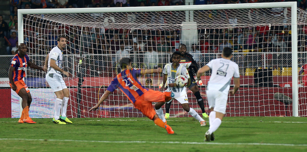 Kostas Katsouranis of FC Pune City score the goal during match 44 of the Hero Indian Super League between FC Pune City and Atletico de Kolkata FC held at the Shree Shiv Chhatrapati Sports Complex Stadium, Pune, India on the 29th November 2014.<br /> <br /> Photo by:  Sandeep Shetty/ ISL/ SPORTZPICS
