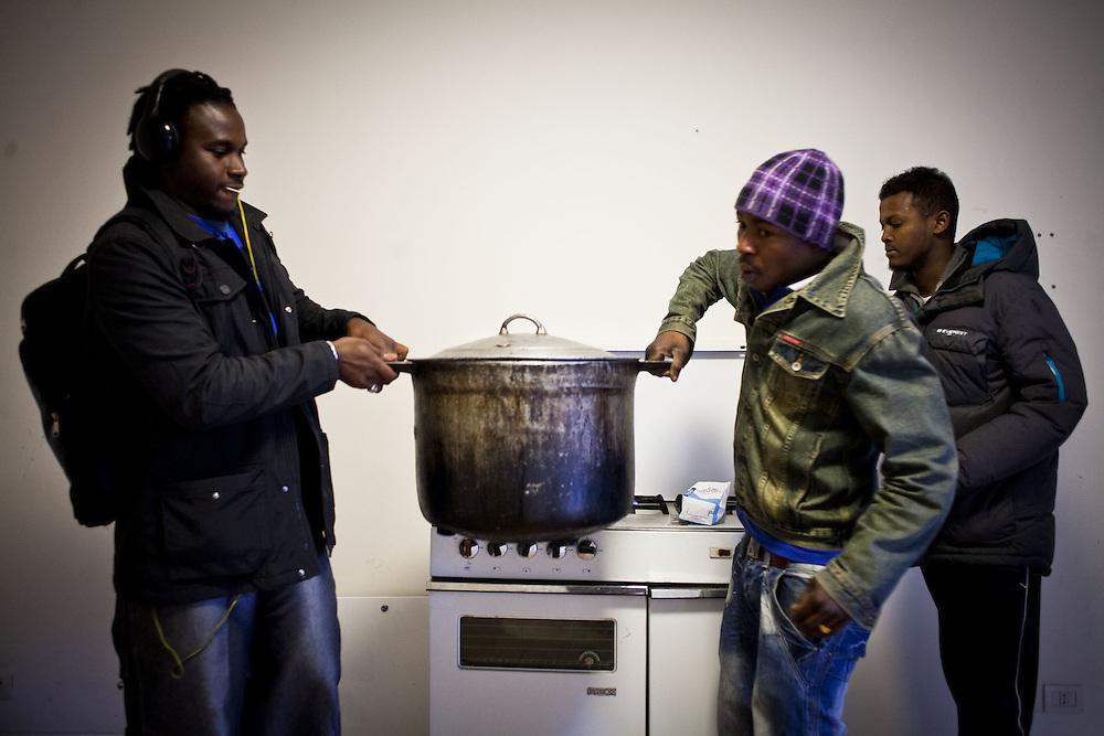 Preparazione del thè. Interno ex palazzine olimpiche.