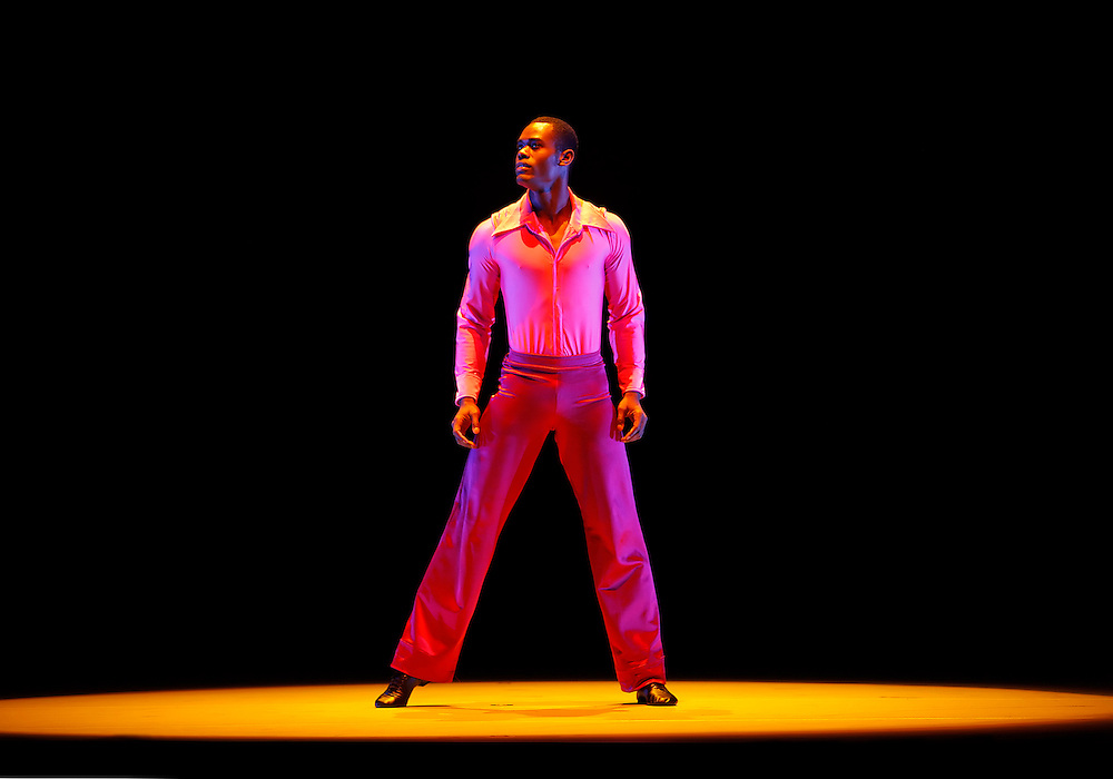 Suite Otis.Alvin Ailey American Dance Theater.9/2/08.Credit Photo: ©2008 Paul Kolnik.212.362.7778 .studio@paulkolnik.com.www.paulkolnik.com