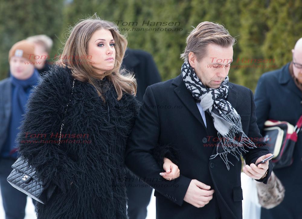 OSLO,  20140129:  Den legendariske Tor Milde bisettes fra Vestre Gravlund. Tone Damli og David Eriksen.  FOTO: TOM HANSEN