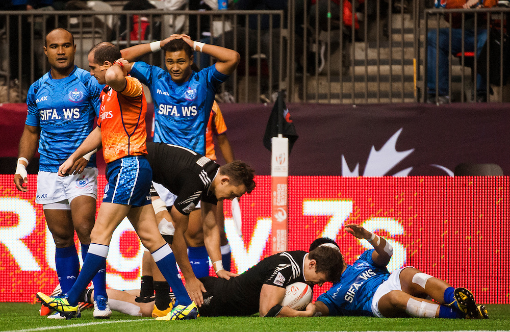 Sam Dickson scores for New Zealand during the knockout stages of the 2016 Canada Sevens leg of the HSBC Sevens World Series Series at BC Place in  Vancouver, British Columbia. Sunday March 13, 2016.<br /> <br /> Jack Megaw<br /> <br /> www.jackmegaw.com<br /> <br /> 610.764.3094<br /> jack@jackmegaw.com
