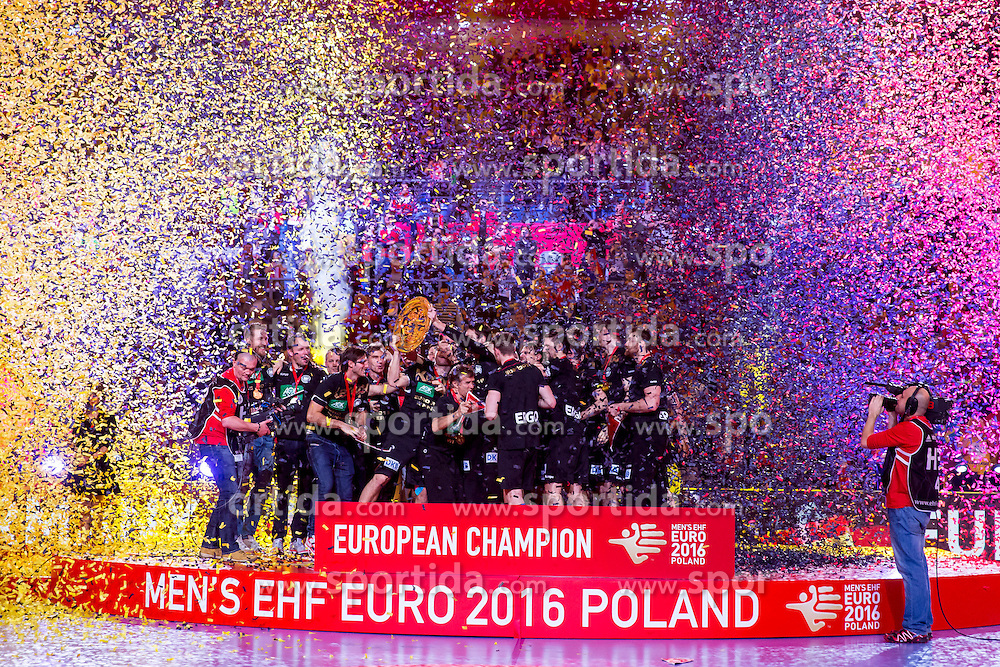 31.01.2016, Tauron Arena, Krakau, POL, EHF Euro 2016, Deutschalnd vs Spanien, Siegerehrung, im Bild Deutschland freut sich ueber den Sieg der Europameisterschaft 2016 // during the award winner ceremony of 2016 EHF Euro at the Tauron Arena in Krakau, Poland on 2016/01/31. EXPA Pictures &copy; 2016, PhotoCredit: EXPA/ Eibner-Pressefoto/ Koenig<br /> <br /> *****ATTENTION - OUT of GER*****