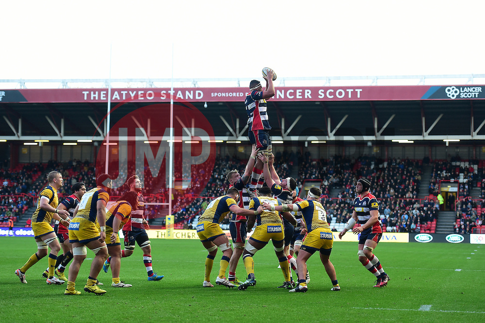 Ben Glynn of Bristol Rugby wins a line out. - Mandatory by-line: Alex James/JMP - 26/12/2016 - RUGBY - Ashton Gate - Bristol, England - Bristol Rugby v Worcester Warriors - Aviva Premiership