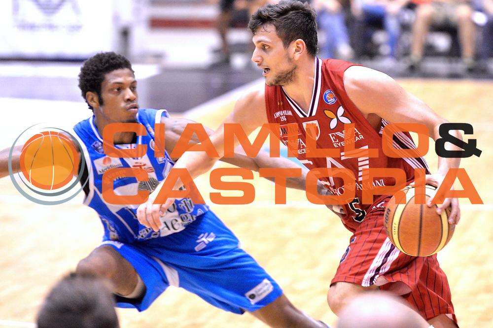 DESCRIZIONE : Milano Lega A 2014-15 EA7 Emporio Armani Milano vs Banco di Sardegna Sassari playoff Semifinale gara 5 <br /> GIOCATORE : Alessandro Gentile<br /> CATEGORIA : Palleggio penetrazione<br /> SQUADRA : EA7 Emporio Armani Milano<br /> EVENTO : PlayOff Semifinale gara 5<br /> GARA : EA7 Emporio Armani Milano vs Banco di Sardegna SassariPlayOff Semifinale Gara 5<br /> DATA : 06/06/2015 <br /> SPORT : Pallacanestro <br /> AUTORE : Agenzia Ciamillo-Castoria/Mancini Ivan<br /> Galleria : Lega Basket A 2014-2015 Fotonotizia : Milano Lega A 2014-15 EA7 Emporio Armani Milano vs Banco di Sardegna Sassari playoff Semifinale  gara 5 Predefinita :