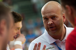 10.06.2015, Olympiahalle, Innsbruck, AUT, EHF Euro Qualifikation, Gruppe 7, Österreich vs Spanien, im Bild Trainer Patrekur Johannesson (AUT) // during the EHF Euro Qualifikation group 7 match between Austria and Spain at Olympiahalle, Innsbruck, Austria on 2015/06/10. EXPA Pictures © 2015, PhotoCredit: EXPA/ Jakob Gruber
