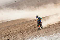 Matthias Walkner (AUT) of Red Bull KTM Factory Team races during stage 04 of Rally Dakar 2019 from Arequipa to o Tacna, Peru on January 10, 2019 // Marcelo Maragni/Red Bull Content Pool // AP-1Y39EN9651W11 // Usage for editorial use only // Please go to www.redbullcontentpool.com for further information. //