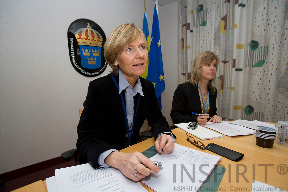 BRUSSELS - BELGIUM - 18 JANUARY 2008 -- Elisabet DAHLÉN JONSSON (Le), Press Officer and Therese NORDEN (Ri), Information Officer, Permanent Representation of Sweden to the EU, during a small press conference in the national briefingroom at the EU Council.  Photo: Erik Luntang/