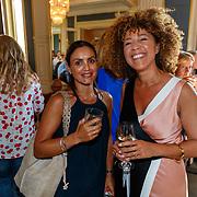 NLD/Amsterdam/20180708 - Inloop premiere Het Pauperparadijs, Diana Matroos en vriendin Desiree